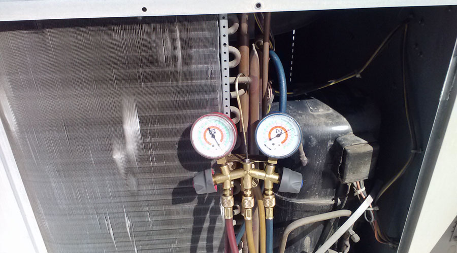 Early detection of refrigerant leak in your AC